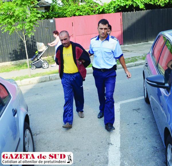 Doljeanul de 40 de ani a fost arestat ieri pe o perioadă de 15 zile pentru comiterea  a trei infracţiuni