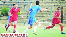 Jucătorii de la ACS Viitorul Municipal Craiova (în roşu) sunt obligaţi să obţină un rezultat pozitiv în jocul cu FC Balş