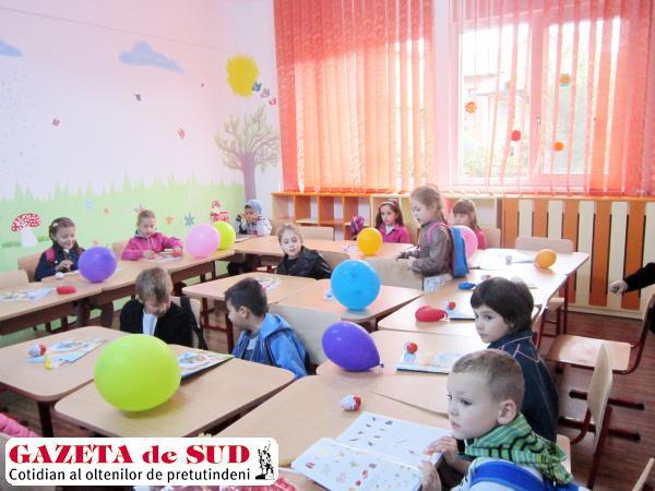 În peste zece localităţi din Dolj, copiii nu au educatoare sau învăţători la clasă