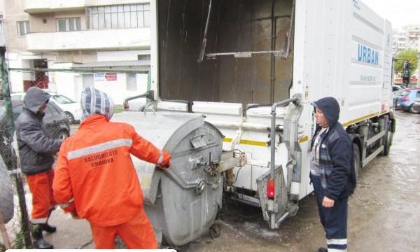Maşina pentru spălarea containerelor