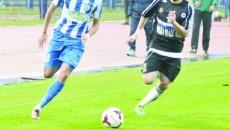"""Sorin Buşu (dreapta) revine pe """"Ion Oblemenco"""" într-un joc oficial, dar de data aceasta în calitate de gazdă"""