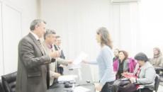 Conducerea Universităţii din Craiova a înmânat cadrelor didactice tinere contractele de finanţare a proiectelor de cercetare declarate câştigătoare în urma competiţiei interne