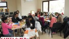 Copiii şi părinţii au participat împreună la un atelier de creaţie