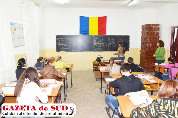 Nici un elev de clasa a VIII-a de la Şcoala Orodel nu a reuşit să obţină nota 5 la disciplina limba română şi matematică la simularea examenelor de absolvire a gimnaziului