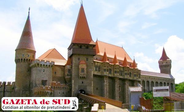 Castelul Corvinilor (sursa foto: romaniaistorica.ro)