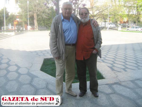 """Dirijorul """"neamţ"""" Horia-Dinu Nicolaescu şi """"italianul"""" Valer Dellakeza, foşti colegi de bancă în clasele I-IV"""