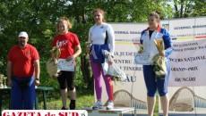 Ileana Sorescu şi Cosmin Sorescu (foto stânga) au câştigat fără probleme concursul de la Oneşti