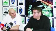 Marcel Ţenter (stânga) şi Marius Toma cred că SCM-U poate învinge Oradea