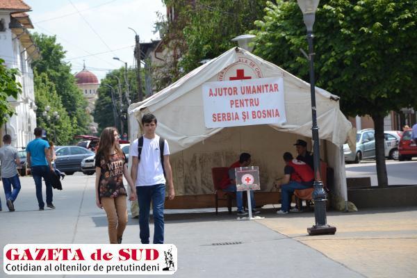 Gorjenii au donat peste opt tone de alimente pentru sinistraţii din Serbia şi Bosnia