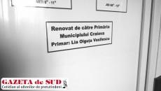 """Mesaj amplasat pe uşile secţiilor modernizate ale Spitalului Municipal """"Filantropia"""" din Craiova"""