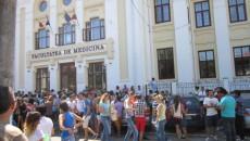 1.005 candidați susțin astăzi examen de admitere la Universitatea de Medicină și Farmacie din Craiova