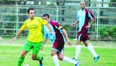 """Daniel Ochea (la minge) şi colegii săi vor să păstreze trofeul Memorialului """"Cristi Neamţu"""""""