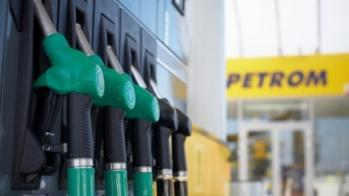 Petrom ieftineşte benzina, la miezul nopţii