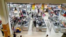 """Până să fie cumpărat de Auchan, hipermarketul real a fost în mai multe rânduri """"ținta"""" hoților."""