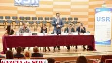 """Ministrul pentru învățământ superior, Mihnea Costoiu, la Adunarea Generală a Uniunii Studenților din România, desfășurată la Filarmonica """"Oltenia"""" din Craiova"""