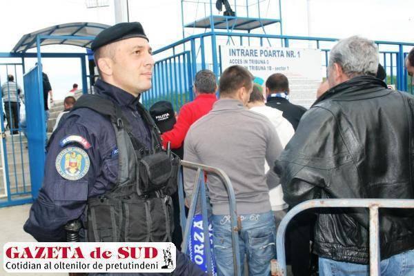 Jandarmii mehedinţeni asigură măsurile de ordine publică la acest meci de fotbal