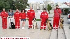 """""""Vedetele"""" evenimentului organizat de pompierii din cadrul ISU Dolj au fost patru câini  de la Centrul de Educare Canină Craiova"""