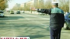 """Străzile din Dolj sunt mai """"sărace"""" cu un poliţist care cere şpagă"""