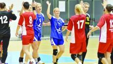 Handbalistele craiovene (albastru) vor urca pe locul trei după omologarea rezultatului din partida cu CSM Bucureşti