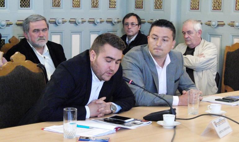 Consilierii Cosmin Durle și Marin Viorel au rămas  în Consiliul Județean Dolj, grație voturilor împotriva proiectului de hotărâre privind încetarea mandatelor lor