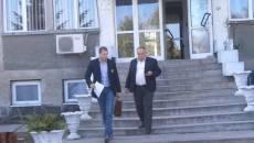 Ion Ghica (dreapta), directorul Carierei Roşiuţa, la ieşirea de la audieri