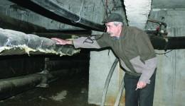 Craiovenii cu centrale nu mai vor conductele Termo în bloc