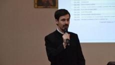 Preotul nevăzător George Radu Trăilescu (Foto: adevarul.ro)
