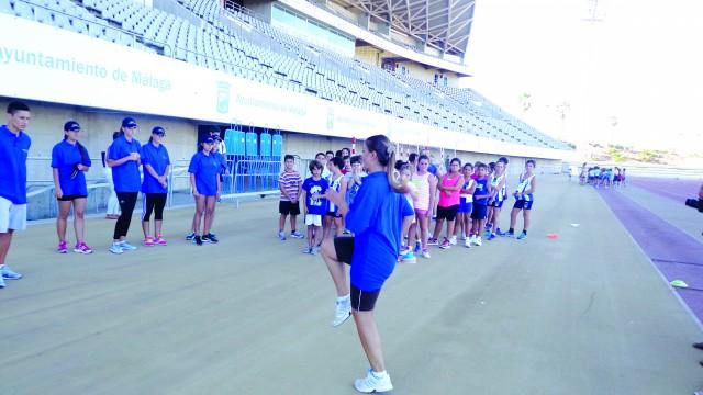 """Atleţii de la """"Trişcu"""" au condus antrenamentele susţinute de sportivi de la un club din Malaga"""