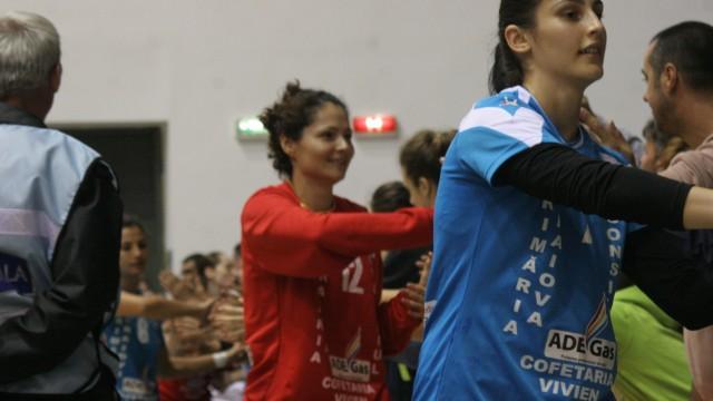 Portarul Ionica Munteanu (în roșu) a făcut încă un meci mare