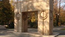 Poarta Sarutului toamna