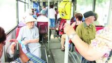 În curând, craiovenii vor spune la revedere condițiilor neplăcute din câteva autobuze.  Până la sfârșitul lunii, în Craiova vor fi livrate primele 17 autobuze Solaris, ce fac parte  dintr-un acord cadru pe patru ani.