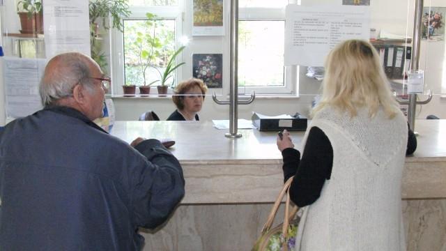 Verificarea calităţii de asigurat  se face acum online, direct la furnizorii de servicii medicale