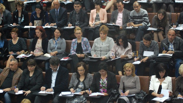 Cadrele didactice care nu sunt titulare în școala în care își desfășoară activitatea nu pot face parte din noile Consilii de Administrație