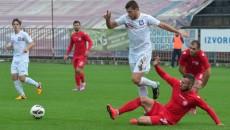 Slătinenii (în roşu) s-au întors cu un punct de la Oradea (foto: liga2.ro)