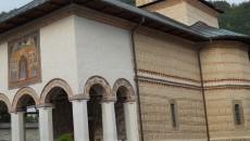 Mănăstirea Polovragi , printre cele mai frumoase din Oltenia