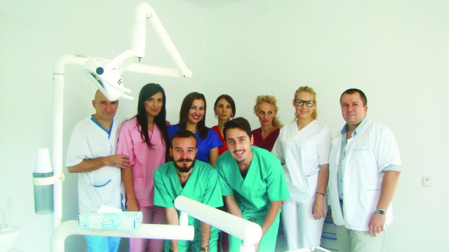 Studenții Facultăților de Medicină Dentară și Tehnică Dentară au beneficiat de stagii  de practică în cabinetele craiovene