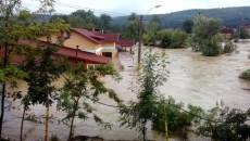 Inundaţiile de anul trecut au afectat şi judeţele Olteniei
