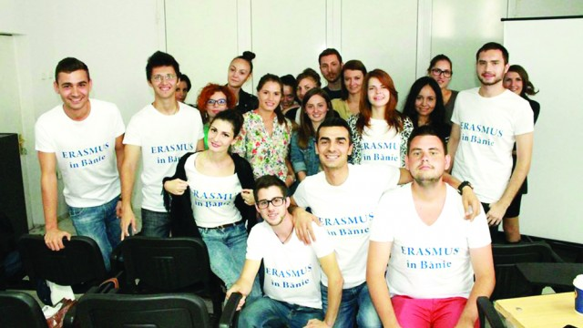 Echipa studenților care a inițiat înființarea organizației Erasmus în Bănie la Universitatea  din Craiova
