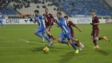 Bawab (la minge) şi Brandan au făcut mat defensiva rapidistă