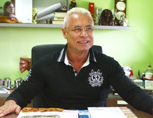 Proprietarul Top Gel, Petre Popa, a declarat că firma sa a făcut sponsorizări de aproximativ 130.000 de euro în ultimii doi ani,  bani care au ajuns în folosul comunității craiovene