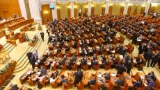 Deputaţii se reunesc astăzi pentru a dezbate Legea amnistiei şi graţierii