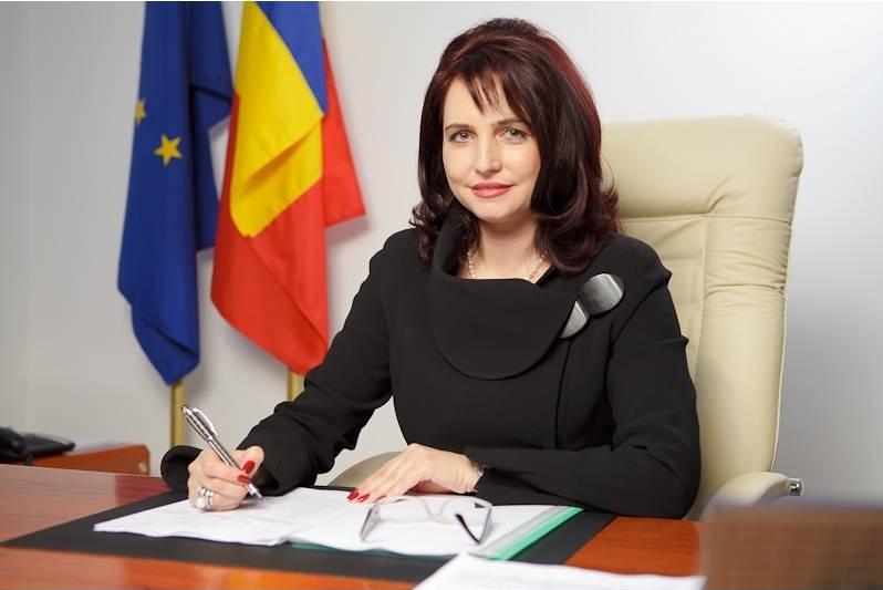 Crinuța Dumitrean, fost președinte al Autorității Naționale pentru Restituirea Proprietăților, a fost arestată preventiv pentru abuz în serviciu (Foto: economica.net)