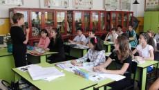 În perioada 2012-2014, populația școlară din Dolj a scăzut continuu, în prezent, fiind o diferență de 2.600 de elevi