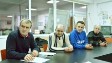 Patru dintre cei 15 muncitori disponibilizați de firma care este subcontractant al lucrărilor de la noua clădire, în care își vor avea sediul Tribunalul Dolj și Curtea de Apel Craiova, au venit la sediul GdS pentru a sesiza modul în care au fost tratați de firma care i-a angajat