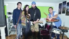 No Antidote este o formație de rockeri craioveni care trăiesc pentru muzică și își doresc să depășească barierele Olteniei
