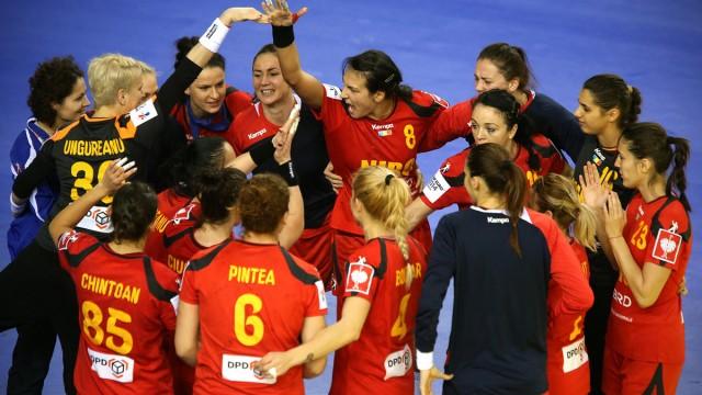 Tricolorele au învins Spania, după o repriză a doua fabuloasă făcută de Cristina Neagu şi colegele sale (sursa foto: EHF)