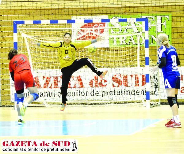 Ionica Munteanu este pregătită să apere poarta României în meciul cu Polonia