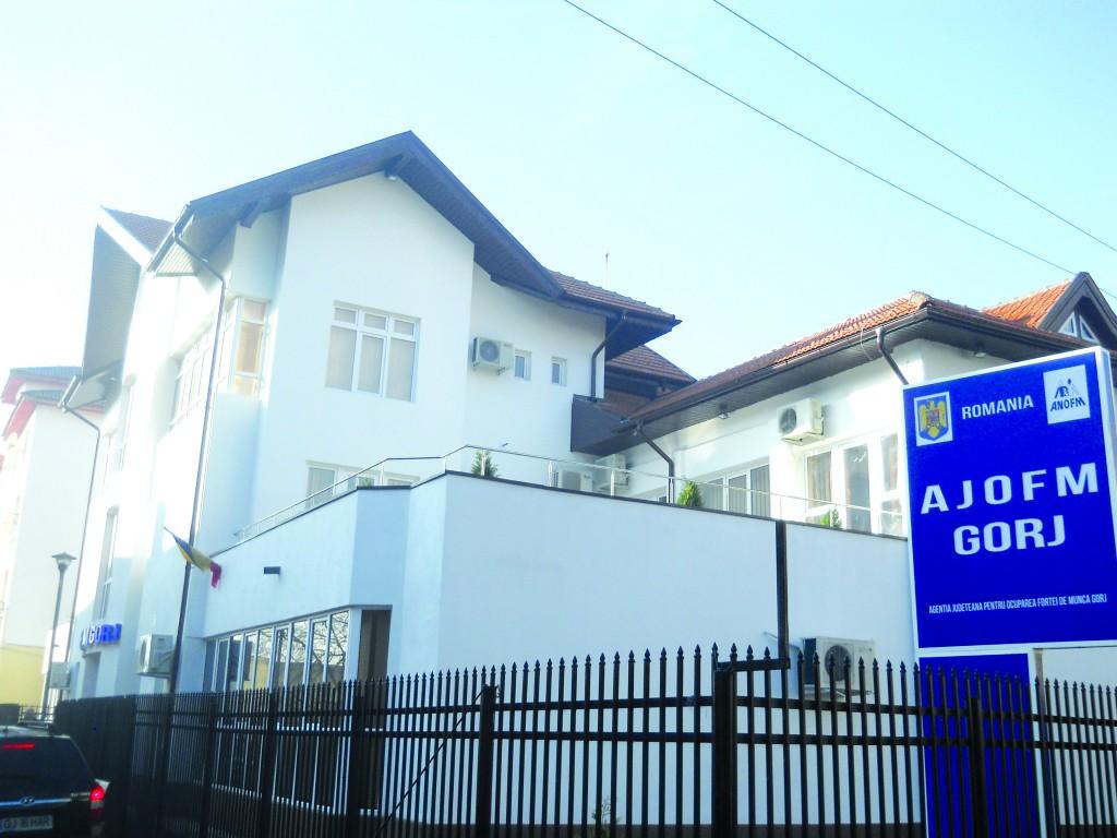 Noul sediul al AJOFM Gorj a fost inaugurat cu o zi a porţilor deschise (Foto: Eugen Măruţă)