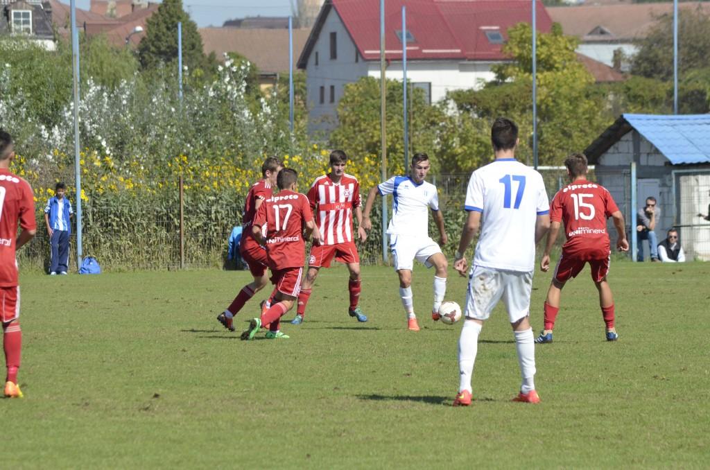Sergiu Jurj (la minge) ar putea fi o soluție pentru atacul naționalei Under 17