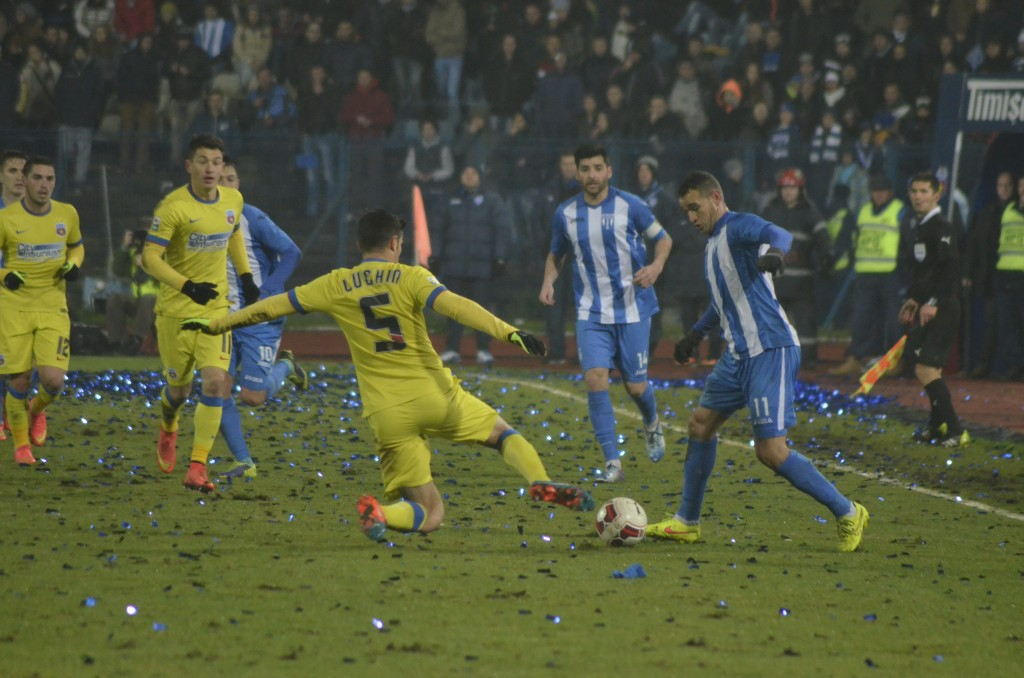 Bawab (la minge) şi colegii săi nu au reuşit să treacă de Steaua în sferturile Cupei